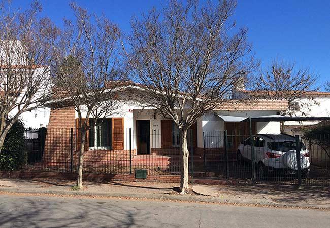 Villa carlos paz alquiler de casa centrica para 6 7 for Alquiler de habitaciones para 3 personas